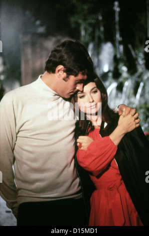 IF ITS TUESDAY IT MUST BE BELGIUM (1969) IAN MCSHANE, SUZANNE PLESHETTE, MEL STUART (DIR) ITTB 001 MOVIESTORE COLLECTION - Stock Photo