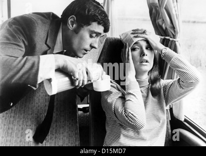 IF ITS TUESDAY IT MUST BE BELGIUM (1969) IAN MCSHANE, SUZANNE PLESHETTE, MEL STUART (DIR) ITTB 003 MOVIESTORE COLLECTION - Stock Photo