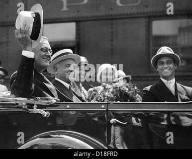 Governor Franklin Roosevelt campaigning for President in Columbus, Ohio. Aug. 19, 1932. L-R: W.A. Julien, Cincinnati, - Stock Photo