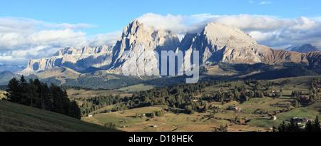Panorama of Mount Langkofel and Plattkofel, Seiser Alm / Alpe di Siusi, South Tyrol / Alto Adige, Italy - Stock Photo