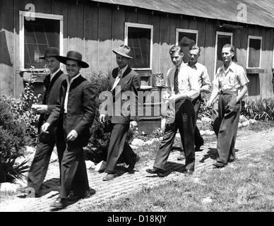 World War II conscientious objectors. Six religious objectors arrive at a former CCC camp in Lagro, Indiana, to - Stock Photo