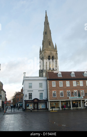 Market Square, Newark-on-Trent town centre center St. Mary Magdalene uk - Stock Photo