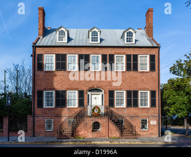 The historic Isiah Davenport House on East State Street, Columbia Square, Savannah, Georgia, USA - Stock Photo