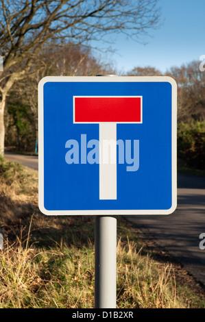 British highways 'no through road' sign