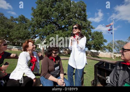 Luci Johnson Turpin, daughter of former US Pres. Lyndon B. Johnson, leads a tour at the LBJ Ranch National Historical - Stock Photo