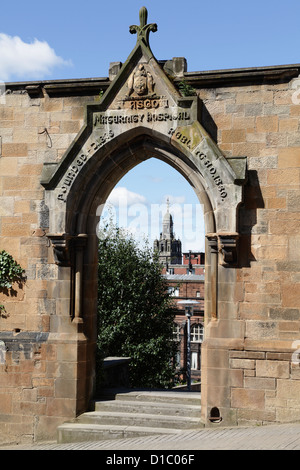 Dome of the City Chambers viewed through the Rottenrow Arch in Glasgow, Scotland, UK - Stock Photo