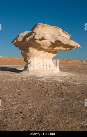 Mushroom Rock Formations, White Desert (Sahara el Beyda), Egypt - Stock Photo