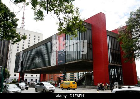 Museu de Arte de Sao Paulo (MASP) on Avenida Paulista, Sao Paulo, Brazil, South America