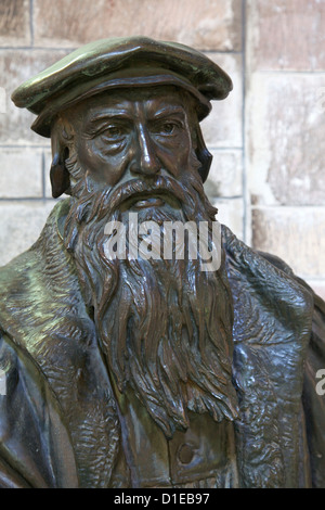 Statue of John Knox, St. Giles Cathedral, Old town, Edinburgh, Scotland, United Kingdom, Europe - Stock Photo