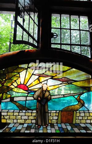 Window at The Black Friar Pub, Queen Victoria Street, Blackfriars, London, England - Stock Photo
