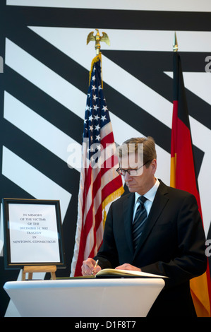 GermanForeign Minister Guido Westerwelle signs the book of condolence for the victims of the rampage in the USA - Stock Photo