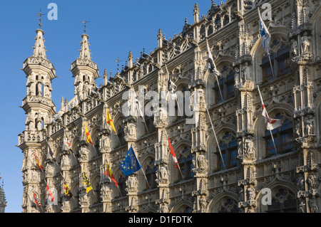 A detail of the stonework carving on the 15th century late Gothic Town Hall, Grote Markt, Leuven, Belgium, Europe - Stock Photo