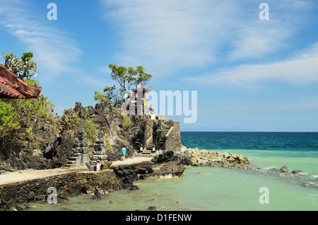 Pura Batu Bolong Temple, south of Senggigi, Lombok, Indonesia, Southeast Asia, Asia - Stock Photo