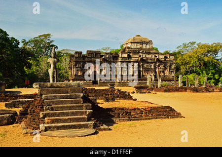 Ancient city of Polonnaruwa, UNESCO World Heritage Site, Polonnaruwa, Sri Lanka, Asia - Stock Photo