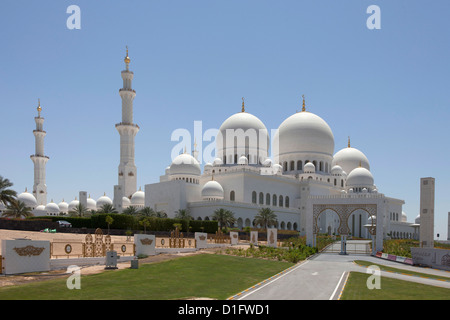Sheikh Zayed Mosque, Abu Dhabi, United Arab Emirates, Middle East - Stock Photo