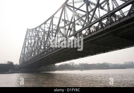 Howrah Bridge from the River Hugli (River Hooghly), Kolkata (Calcutta), West Bengal, India, Asia - Stock Photo