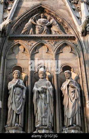Apostle sculptures, South facade, Notre Dame Cathedral, Paris, France, Europe - Stock Photo