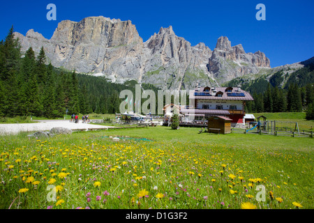 Sella Pass, Trento and Bolzano Provinces, Italian Dolomites, Italy, Europe - Stock Photo