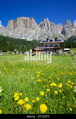 Restaurant, Sella Pass, Trento and Bolzano Provinces, Italian Dolomites, Italy, Europe - Stock Photo