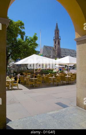 Cafe and Duomo, Walther Platz, Bolzano, Bolzano Province, Trentino-Alto Adige, Italy, Europe - Stock Photo