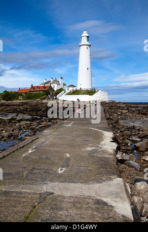 Causeway to St. Mary's Lighthouse on St. Mary's Island, Whitley Bay, North Tyneside, Tyne and Wear, England, United - Stock Photo