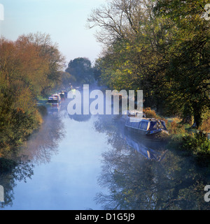 Kennet and Avon canal in mist, Great Bedwyn, Wiltshire, England, United Kingdom, Europe - Stock Photo
