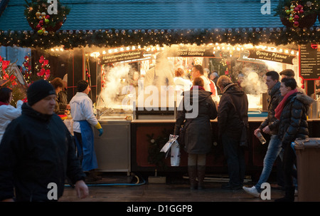 People visit the Christmas market in Lueneburg, Germany, 18 December 2012. Photo: Philipp Schulze - Stock Photo