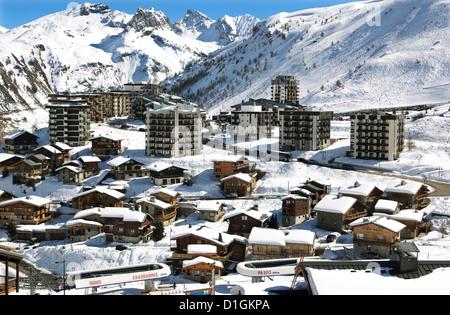 Tignes-le-Lac, Tignes, Savoie, Rhone-Alpes, French Alps, France, Europe - Stock Photo