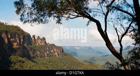 Panoramic photo of the Three Sisters, Blue Mountains, Katoomba, New South Wales, Australia, Pacific - Stock Photo