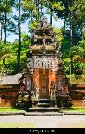 Balinese door at Pura Tirta Empul Hindu Temple, Bali, Indonesia, Southeast Asia, Asia - Stock Photo