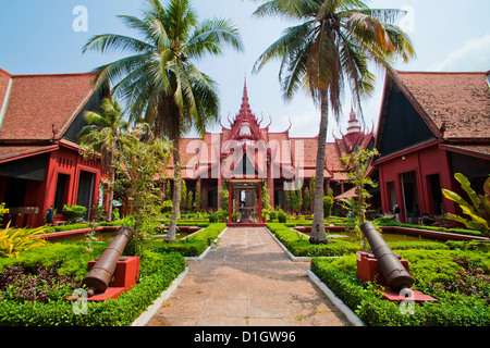 Courtyard inside the National Museum of Cambodia, Phnom Penh, Cambodia, Indochina, Southeast Asia, Asia - Stock Photo