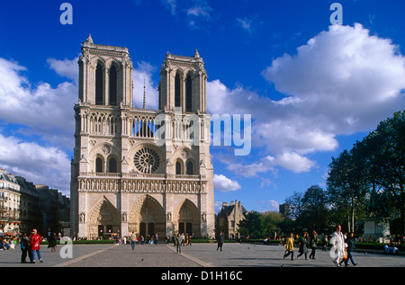 West front of the Notre Dame, Paris, France - Stock Photo