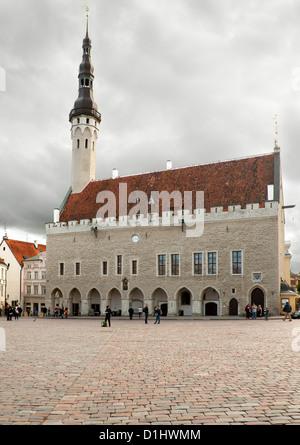 Tallinna Raekoda (Tallinn Town Hall) on Raekoja Plats (Town Hall Square) in Tallinn, the capital of Estonia. - Stock Photo