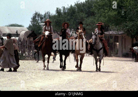 Bad Girls  Bad Girls  Madeleine Stowe, Mary Stewart Masterson, Drew Barrymore, Andie MacDowell Eine Horde von Kopfgeldjaegern - Stock Photo