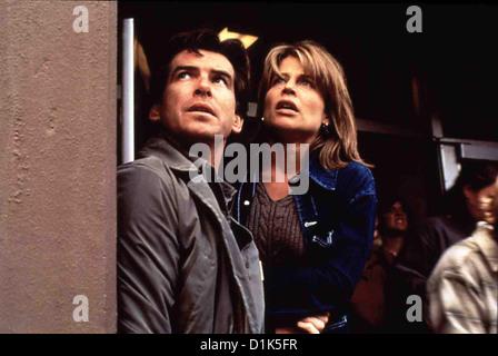Dante's Peak   Dante's Peak   Harry Dalton (Pierce Brosnan), Rachel Wando (Linda Hamilton) *** Local Caption *** - Stock Photo