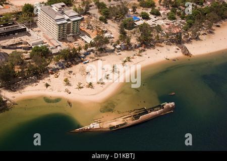 Aerial view of Ilha de Luanda, a sandspit across from Luanda. - Stock Photo