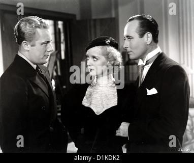 Spaete Heirat Ausgeschlossen  Ex-Lady  Don Peterson (Gene Raymond), Helen Bauer (Bette Davis), Nick (Monroe Owsley) - Stock Photo