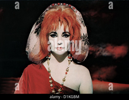 Doktor Faustus   Doctor Faustus   Elizabeth Taylor *** Local Caption *** 1967  -- - Stock Photo