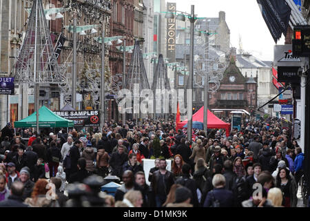 Glasgow, Scotland, UK, Saturday, 29th December, 2012. The Post Christmas Sales continue to be popular with shoppers - Stock Photo