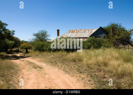 An old, dilapidated house on a farm near Mudgee, New South Wales, Australia - Stock Photo