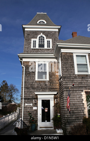 Building housing Chatham Beach Dog, a store with toys and treats for dogs, in Chatham, Cape Cod, Massachusetts - Stock Photo