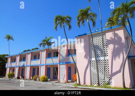Florida Florida Keys US Route 1 One Overseas Highway Islamorada Sunset Inn Motel pink - Stock Photo