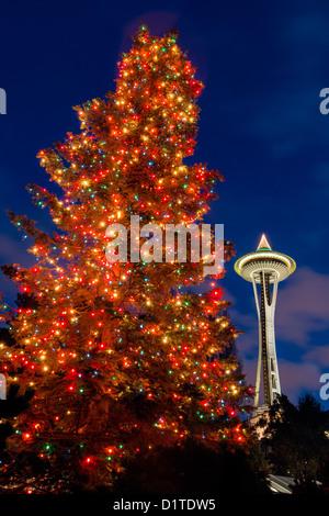 WASHINGTON - Christmas Tree and Space Needle at the ...