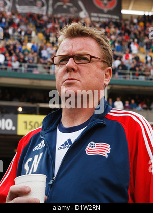 New England Revolution head coach Steve Nicol on the team bench prior to kick off of the 2007 MLS Cup championship - Stock Photo