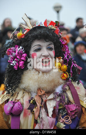 Bankside, London, UK. 6th January 2013. One of the Mummers perform 'The Mummers Play'. Twelfth Night Celebrations - Stock Photo