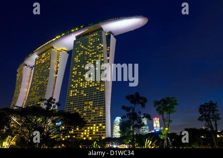 Singapore, Marina Bay, the Marina Bay Sands hotel and casino. - Stock Photo