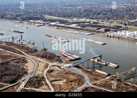 Aerial showing barges along the Mississippi River December 12, 2012 near St. Louis, MO. Severe drought has affected - Stock Photo