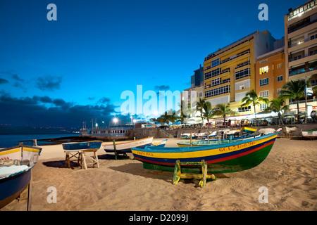 Boats on the beach in the evening, Playa de Las Canteras, Las Palmas, Gran Canaria, Canary Islands, Spain, Europe - Stock Photo