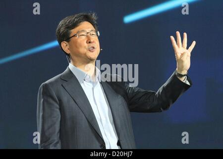 Stephen Woo (Samsung CEO) at the press conference for Former President Bill Clinton's Samsung Keynote Address - - Stock Photo