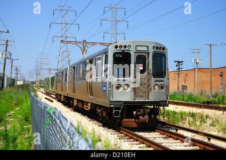 Train CTA Skokie Swift Line) rapid transit train near Oakton Street. Skokie, Illinois, USA. - Stock Photo
